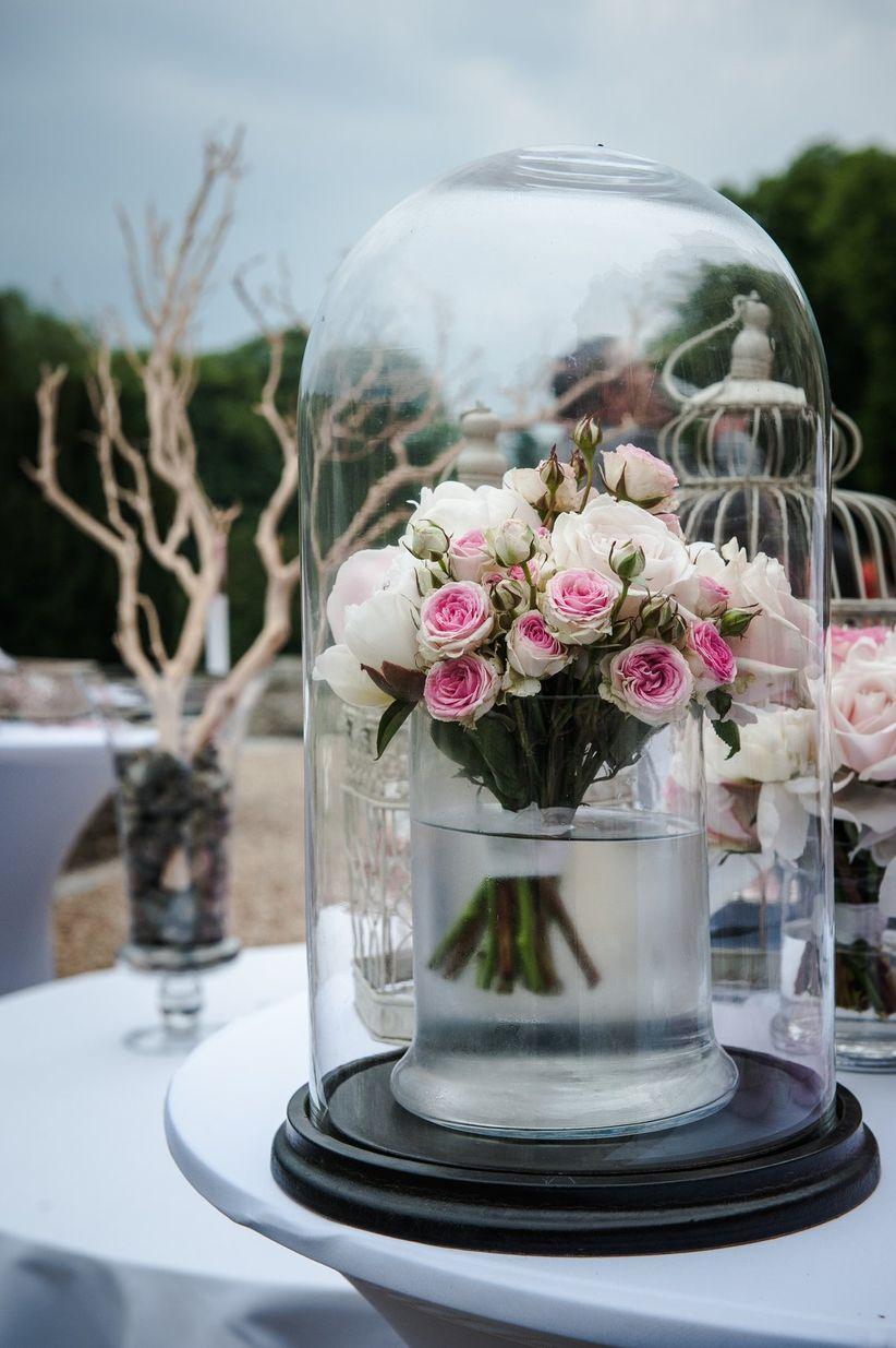 30 d corations de table de mariage avec des cloches en verre. Black Bedroom Furniture Sets. Home Design Ideas