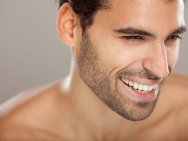 5 conseils beauté pour les hommes à la peau sensible