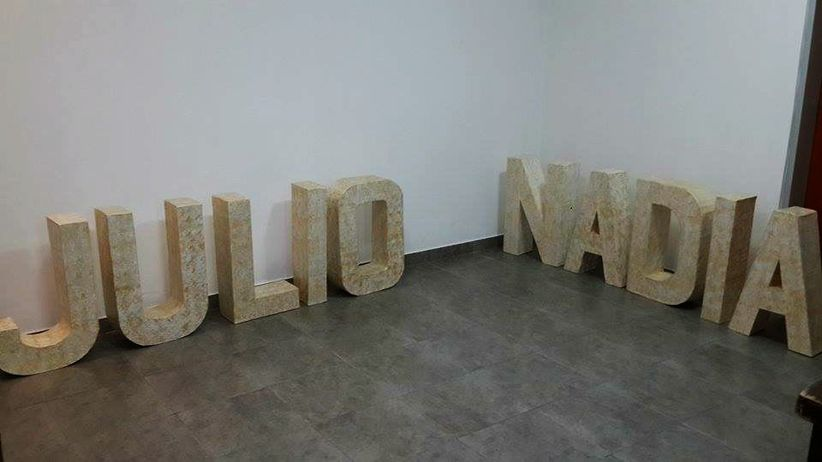 I Lettre g/éante en bois 50 cm