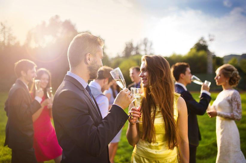 le mariage en petit comité, il faudra mettre de côté ces convenances,  quitte à inviter les personnes en question à un dîner ou toute autre  célébration