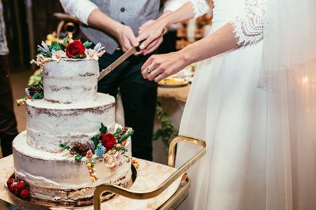 Naked cake: la pi�ce mont�e qui met � nu votre dessert de mariage