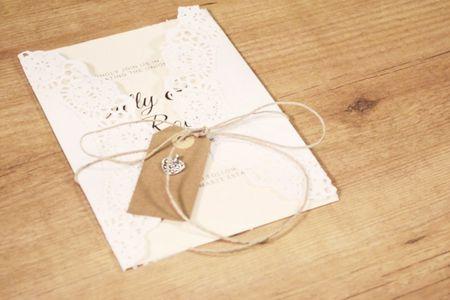 DIY : créez vos faire-part de mariage avec des napperons !