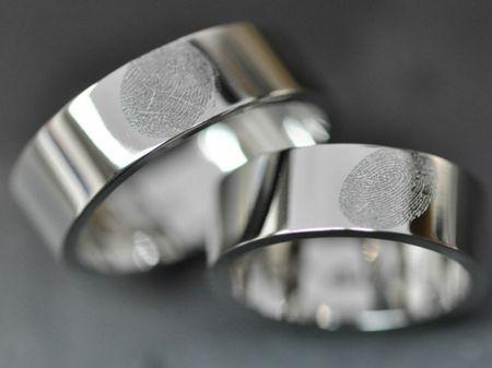 Alliances originales : gravez vos empreintes sur les anneaux