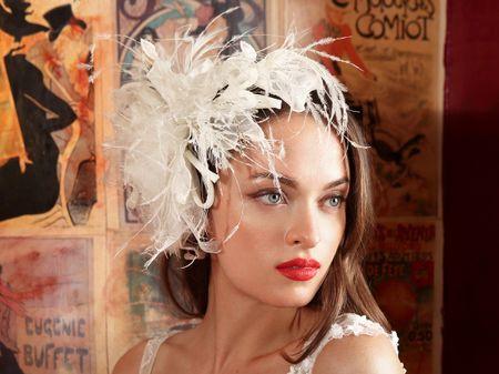 Des plumes pour accessoiriser votre tenue de mariée, ça fait rêver !