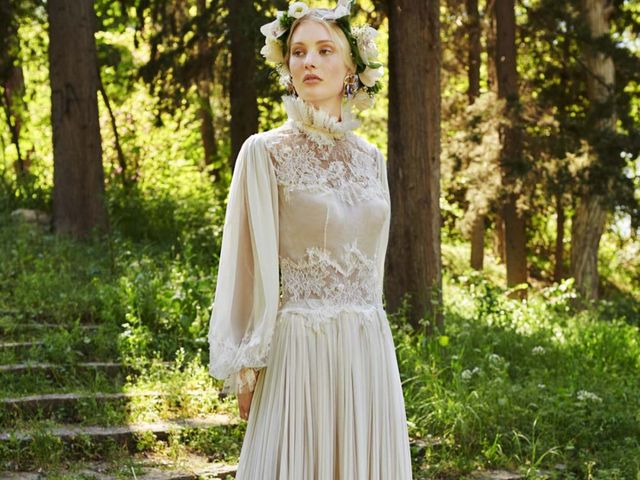 Costarellos 2019 : un hommage aux robes de mariée d'autrefois