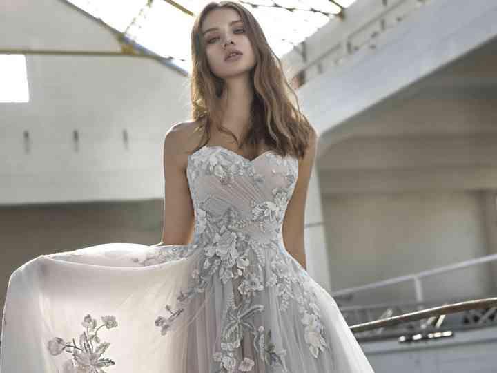 Une robe de mariée grise ? Oui, la couleur