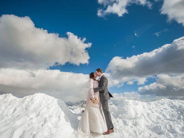 Kim et James : Un mariage de rêve au milieu de la neige et des nuages