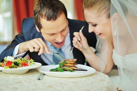 Viande ou poisson pour le menu de mariage