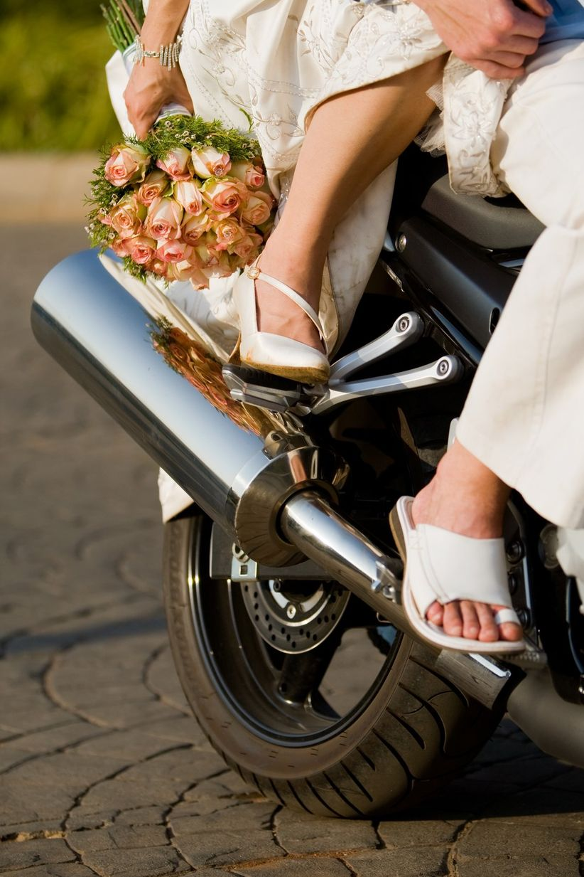Une fois choisi votre véhicule de mariage , pensez aux décorations ...