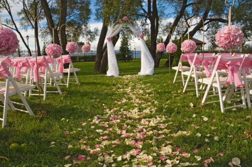 7 id es pour d corer votre c r monie la que de mariage - Decoration de jardin pour mariage ...