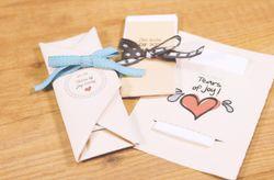 Kit de cérémonie : 3 tutoriels pour créer vos pochettes à mouchoirs