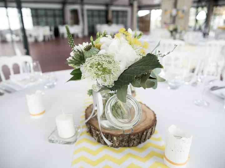Decoration Table Mariage Arbre.Des Rondelles De Tronc D Arbre Pour Une Déco De Mariage éco Chic