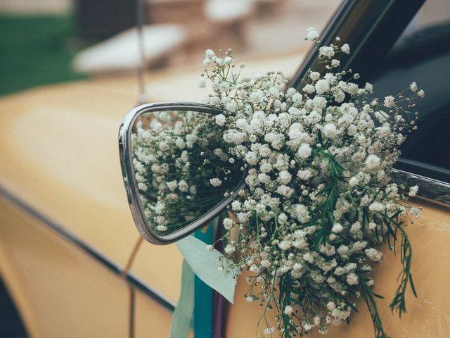 25 idées de décorations discrètes pour la voiture des mariés