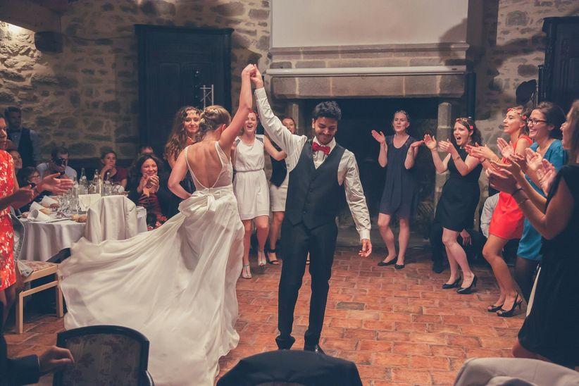 5 danses de couple pour l ouverture d 39 un bal de mariage original. Black Bedroom Furniture Sets. Home Design Ideas