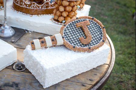 Arrivée du gâteau : 45 morceaux en fonction de votre thème de mariage