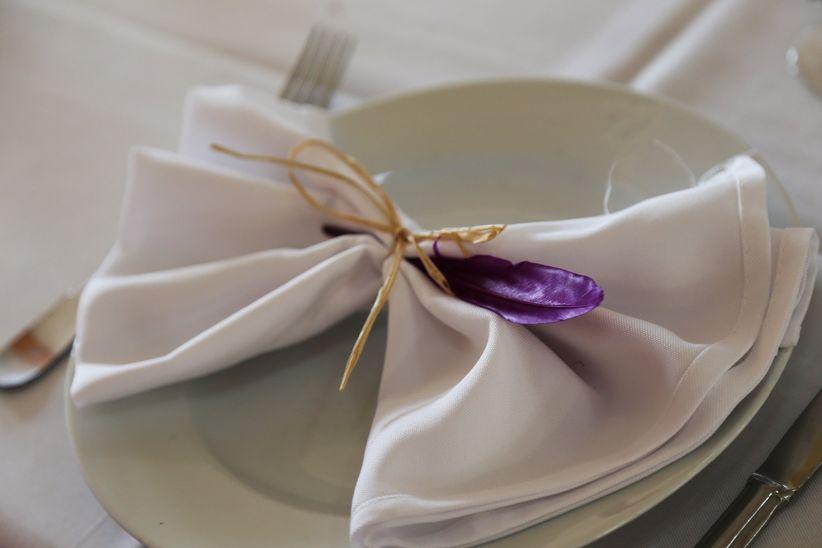 pliage serviette mariage chic dcoration mariage pliage de serviette ile et orchide turquoise. Black Bedroom Furniture Sets. Home Design Ideas