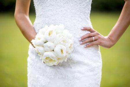 Bouquets blancs pour la mari�e