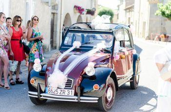 Louez une 2CV pour votre mariage : ce que vous devez savoir avant de choisir cette voiture