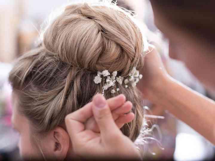 Chignon haut  la coiffure de mariée qui s\u0027adapte à tous les