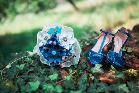 7 idées pour porter un accessoire bleu le jour J