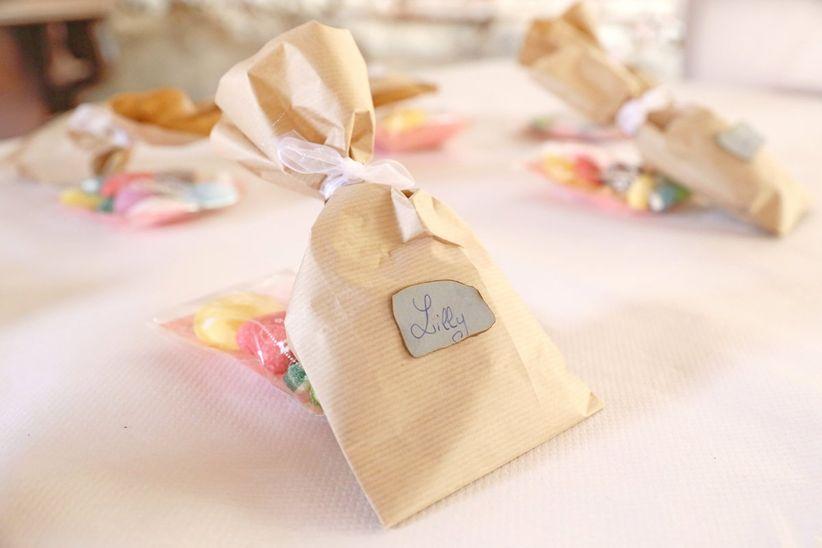 id es de cadeaux et de surprises pour les enfants invit s au mariage. Black Bedroom Furniture Sets. Home Design Ideas