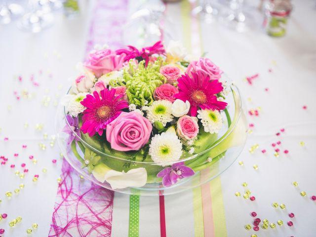 35 centres de table avec des fleurs immergées ou flottantes
