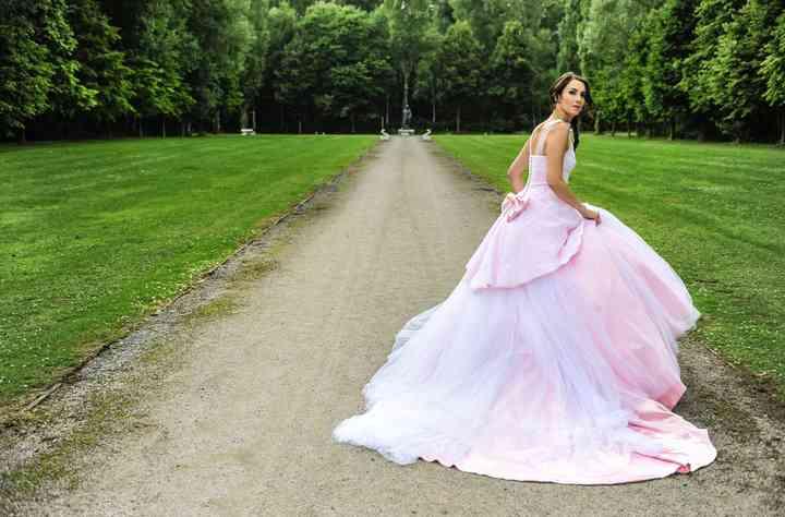 65 robes de mariée de couleur, faites votre