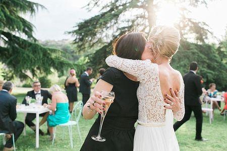 8 comportements de la mariée que seule sa meilleure amie comprendra