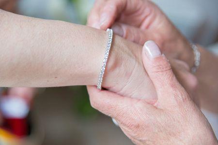 Porter des bijoux de votre famille le jour de votre mariage