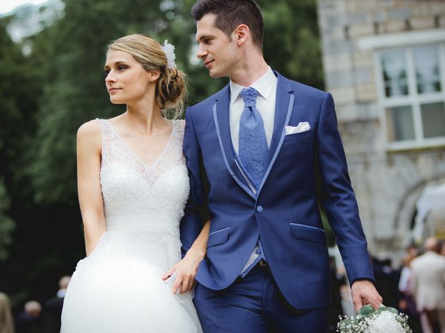 30 costumes de mariage bleus pour toutes les saisons