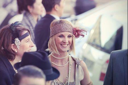 Les 6 accessoires indispensables pour un look d'invitée Charleston