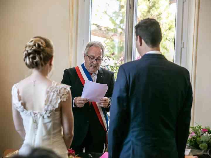Le Discours De Mariage Du Maire Pendant La Ceremonie Civile