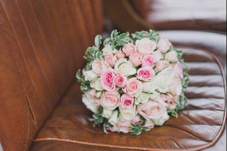 Fleurs de prestige : 4 options pour un bouquet de mariée avec roses