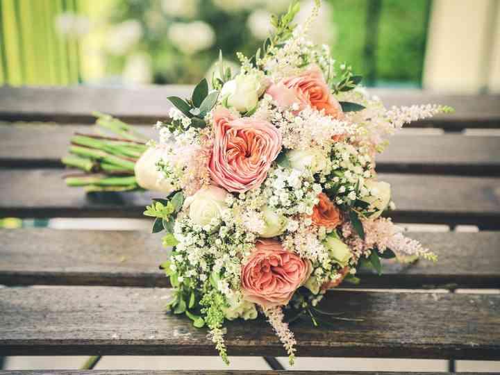 artisanat de qualité Los Angeles design intemporel Des fleurs de printemps dans votre bouquet de mariée !