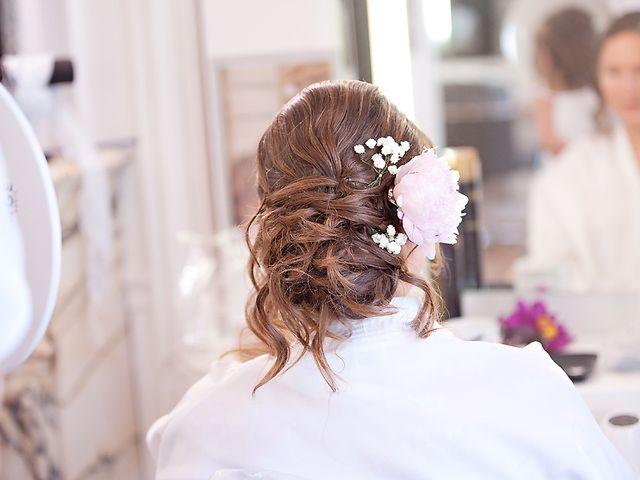 Coiffure de mariée : le chignon bouclé sous toutes les coutures !
