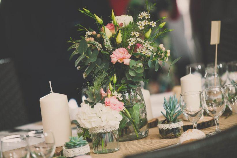32 id es de centres de table avec fleurs for Centre table bois flotte fleurs