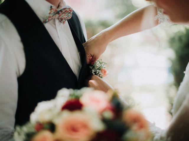 30 boutonnières et bouquets de mariée assortis