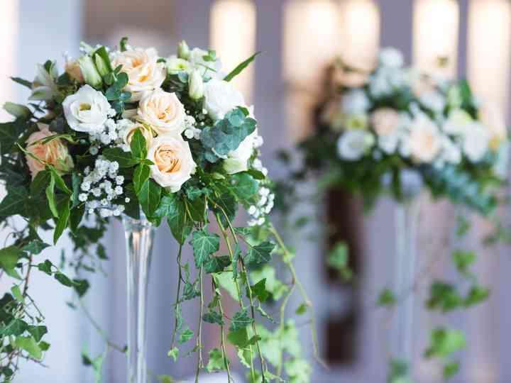 6 Decorations De Centres De Table Avec Des Vases Martini