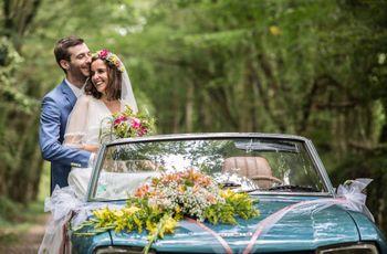 Compositions florales de la voiture des mariés : toutes les décorations envisageables