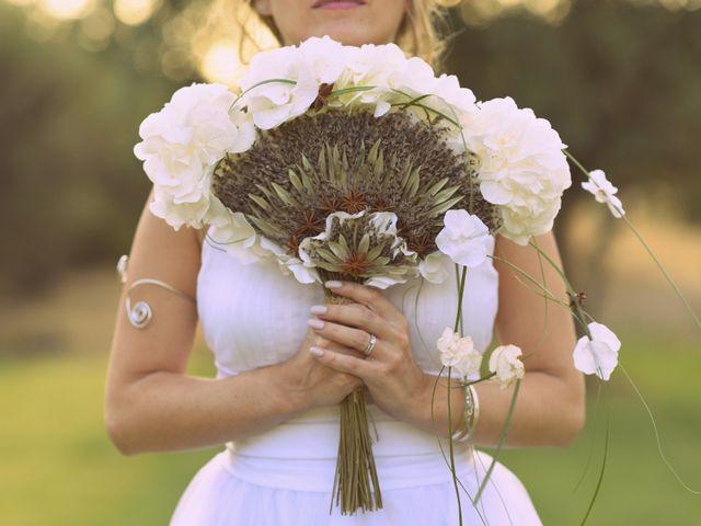 L'éventail-bouquet : un accessoire réservé aux mariées créatives
