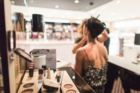Comment choisir le meilleur service de maquillage et de coiffure pour votre mariage