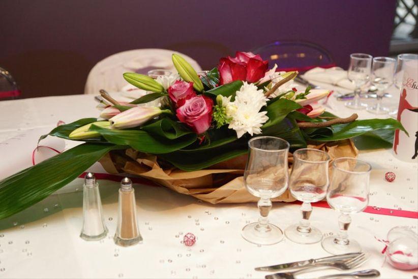 32 id es de centres de table avec fleurs. Black Bedroom Furniture Sets. Home Design Ideas
