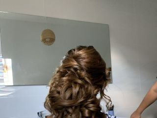Linda Barkallah - Hair / make-up Artist 1