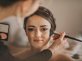 Annelie Artist Makeup & Coiffure 4