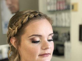 Emerald Makeup Artist 4