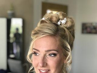 Emerald Makeup Artist 5
