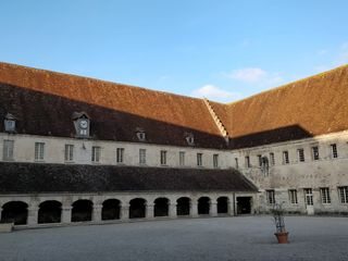 Abbaye Royale du Moncel 1