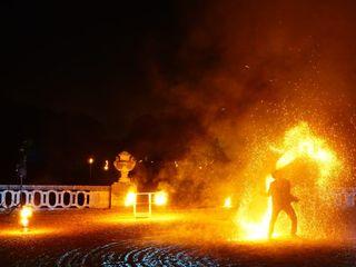 Shay - Spectacle de feu et lumières LED 3