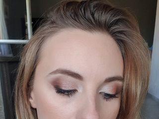 Amandine Poisson Makeup Artist 4