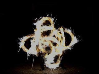 Shay - Spectacle de feu et lumières LED 4